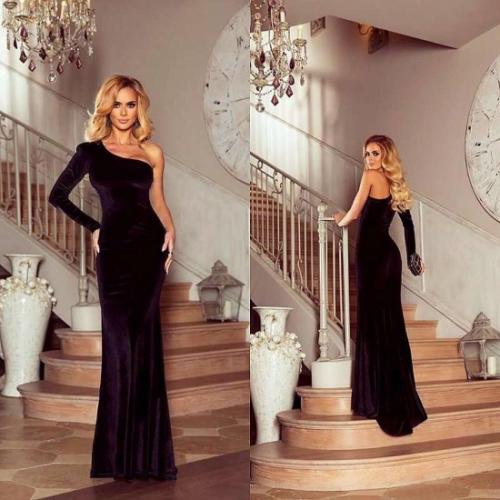 Długa suknia na jedno ramię